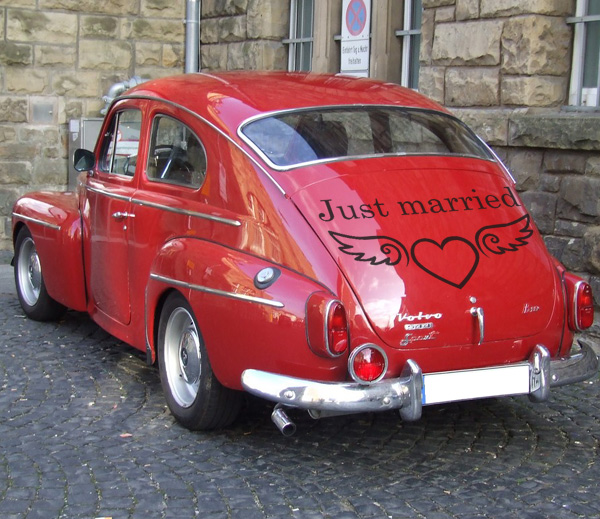 Just married M
